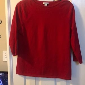 Red cashmere sweater with 3/4 sleeve